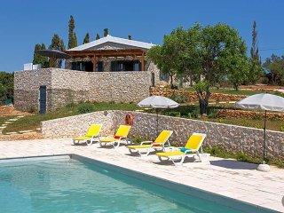 3 bedroom Villa in Ferragudo, Faro, Portugal : ref 5481227