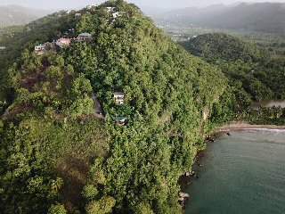 Hummingbird Hangout - the best sea views in Marigot!