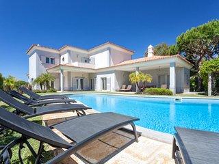 5 bedroom Villa in Vale do Lobo, Faro, Portugal : ref 5480134