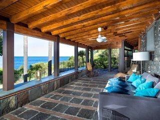 Santa Tecla Villa Sleeps 8 with Pool and Air Con - 5479456