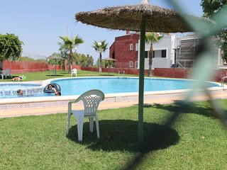 Ground Floor Apartment in Entre Golf close to pool, Calle Bidasoa