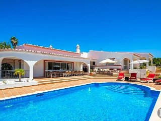 4 bedroom Villa in Carvoeiro, Faro, Portugal : ref 5473204