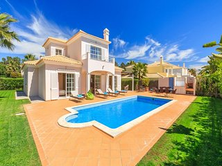 4 bedroom Villa in Vale do Garrao, Faro, Portugal : ref 5456812