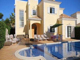 4 bedroom Villa in Vale do Garrao, Faro, Portugal : ref 5456777