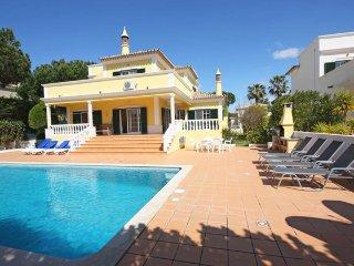 4 bedroom Villa in Vale do Lobo, Faro, Portugal : ref 5456781