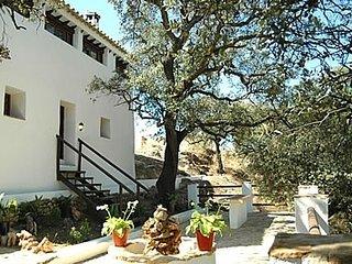 Fuentes de Cesna Villa Sleeps 8 with Pool