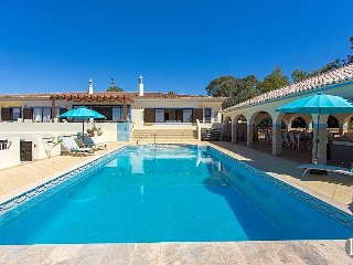 9 bedroom Villa in Carvoeiro, Faro, Portugal : ref 5453324