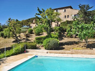 6 bedroom Villa in Sainte-Maxime, Provence-Alpes-Côte d'Azur, France : ref 54360