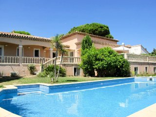 4 bedroom Villa in Les Issambres, Provence-Alpes-Cote d'Azur, France : ref 54360