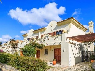3 bedroom Villa with Pool and Air Con - 5433571