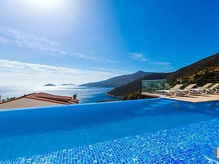 Kalkan Villa Sleeps 13 with Pool Air Con and WiFi - 5433490