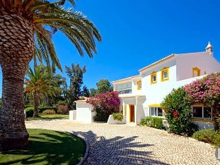 Alvor Villa Sleeps 8 with Pool Air Con and WiFi - 5433487