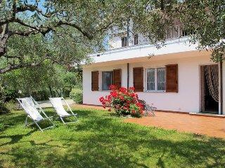 7 bedroom Villa in Diano Castello, Liguria, Italy : ref 5443904