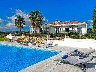 4 bedroom Villa in Santa Bárbara de Nexe, Faro, Portugal : ref 5433553