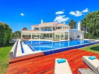 4 bedroom Villa in Quinta do Lago, Faro, Portugal : ref 5433535
