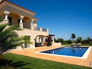 4 bedroom Villa in Tavira Municipality, Faro, Portugal : ref 5433519