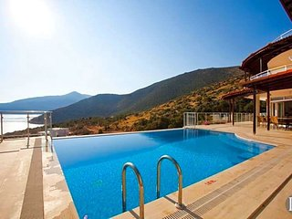 Kalkan Villa Sleeps 18 with Pool and Air Con - 5433425