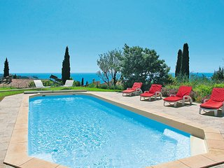 4 bedroom Villa in Sanary-sur-Mer, Provence-Alpes-Côte d'Azur, France : ref 5436