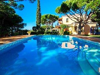 Quinta do Lago Villa Sleeps 8 with Pool Air Con and WiFi - 5433510