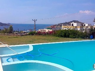 Ortakent Villa Sleeps 10 with Pool and Air Con - 5433458