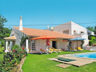 6 bedroom Villa in Cabeço de Câmara, Faro, Portugal : ref 5434698
