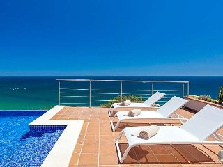 4 bedroom Villa in Salema, Faro, Portugal : ref 5433550