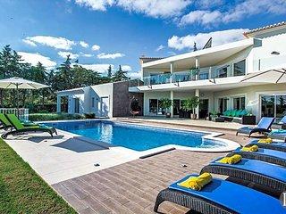6 bedroom Villa in Carvoeiro, Faro, Portugal : ref 5433485