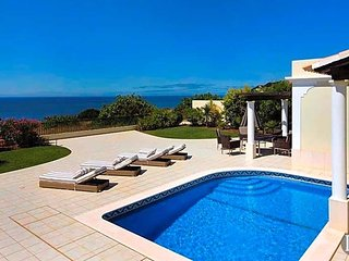 4 bedroom Villa in Lagos, Faro, Portugal : ref 5433448