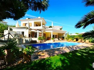 Quinta do Lago Villa Sleeps 8 with Pool Air Con and WiFi - 5433444