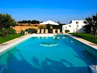 6 bedroom Villa in Syracuse, Sicily, Italy : ref 5433418