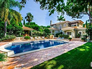 4 bedroom Villa in Quinta do Lago, Faro, Portugal : ref 5433495
