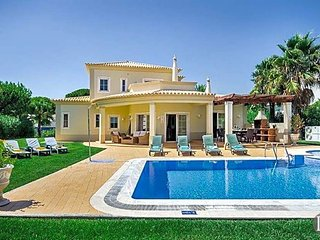 4 bedroom Villa in Vilamoura, Faro, Portugal : ref 5433462