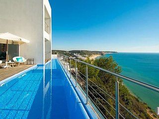 6 bedroom Villa in Salema, Faro, Portugal : ref 5433282