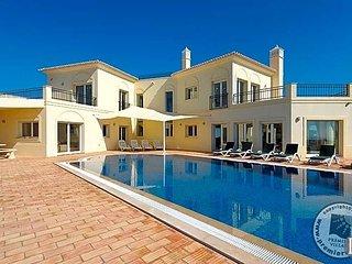 4 bedroom Villa in Tavira Municipality, Faro, Portugal : ref 5433031