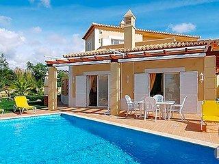 3 bedroom Villa in Carvoeiro, Faro, Portugal : ref 5433045