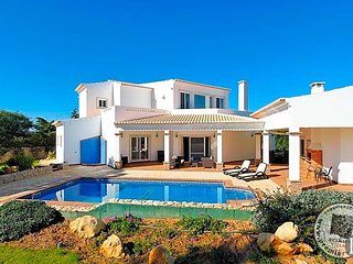 4 bedroom Villa in Alvor, Faro, Portugal : ref 5433029