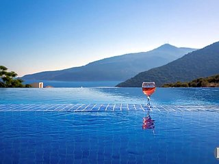 Kalkan Villa Sleeps 10 with Pool Air Con and WiFi - 5433199