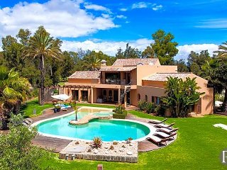 4 bedroom Villa in Alvor, Faro, Portugal : ref 5433182