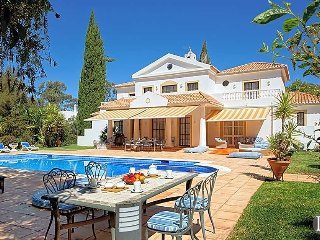 5 bedroom Villa in Alvor, Faro, Portugal : ref 5433003