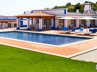 3 bedroom Villa in Boliqueime, Faro, Portugal : ref 5433095