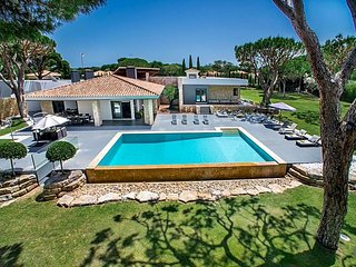 9 bedroom Villa in Vilamoura, Faro, Portugal : ref 5433171