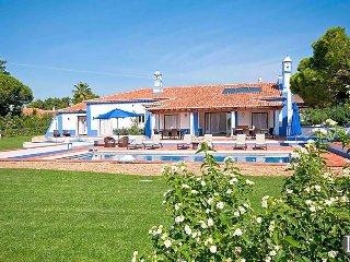6 bedroom Villa in Albufeira, Faro, Portugal : ref 5433147