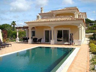 4 bedroom Villa in Vale do Lobo, Faro, Portugal : ref 5433169
