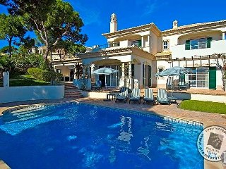 4 bedroom Villa in Vale do Lobo, Faro, Portugal : ref 5433002