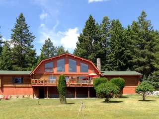 Family Log Home at Beautiful Flathead Lake