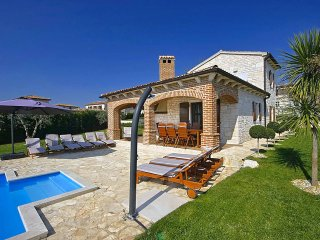 5 bedroom Villa in Visignano, Istarska Zupanija, Croatia : ref 5426301