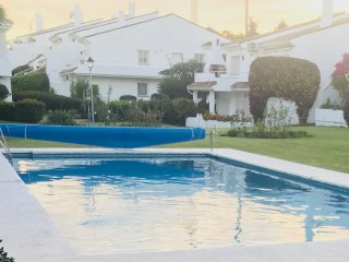 3 BEDROOM APARTMENT, ESTEPONA, EL PARAISO