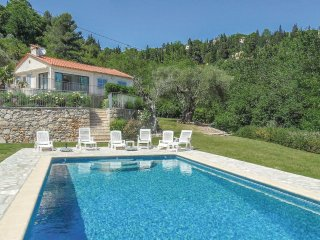 Beautiful home in Callian w/ Jacuzzi, WiFi and 4 Bedrooms (FCV811)