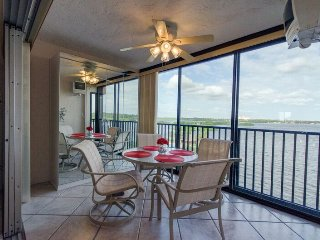 Gulfview/Bayfront Condo with Million Dollar Views on Siesta Key
