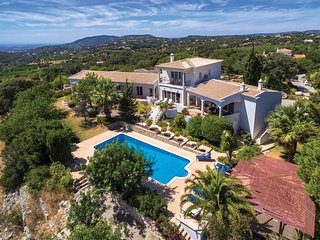 4 bedroom Villa in Santa Barbara de Nexe, Faro, Portugal : ref 5364770